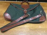 Vintage Travel / Overnight Bag, Green/ Tan, Detachable Strap All in tact & clean