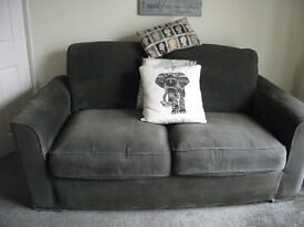 DEREHAM :lARGE 2 SEATER SOFA IN CHARCOAL GREY ONLY 4YRS OLD WITH LITTLE USE