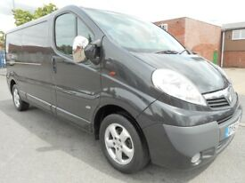 * FINANCE ME! NO VAT! * Vauxhall Vivaro 2.0L CDTi LWB Panel Van - FSH in Mindnight Black!