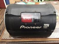 Pioneer subwoofer 200w audio