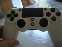 official white PS4 controller -used-