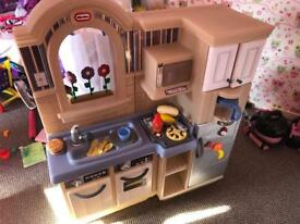 Little tikes inside outside play kitchen