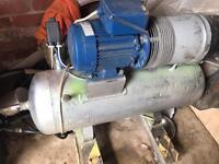 Hydrovane compresser