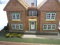 DOLLS HOUSE /COTTAGE