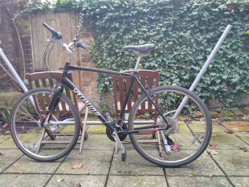 Specialized hybrid/commuter XL 21-gear bike, good condition, D-lock included