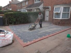 NOOR BUILDER;- FENCES,ROOF,SLABS,GRASS,DRIVEWAY,PAVING,EXTENTION,TILES,PLASTER AND PAINT