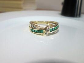 9ct Yellow Gold Princess Cut Emerald & Diamond Eternity Twist Ring Size N 1/2