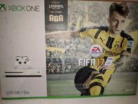 Mint condition Xbox one s 500gb with GTA 5 and one controller controller is also mint