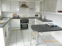 3 BED HOUSE TO RENT IN SEVEN KINGS! £1500. 2 BATHROOMS. 5 MINS WALK TO SEVEN KINGS STATION. DRIVEWAY