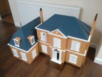 12th scale Dolls House with Extension - Kingfisher Manor - Brand New ex-Shop stock, slight damage