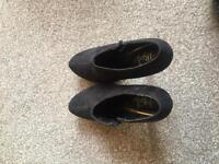 """Treds 4"""" high heels"""