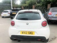 Semi Automatic Alfa Romeo-Heated seats-parking sensors-Blue & Me System