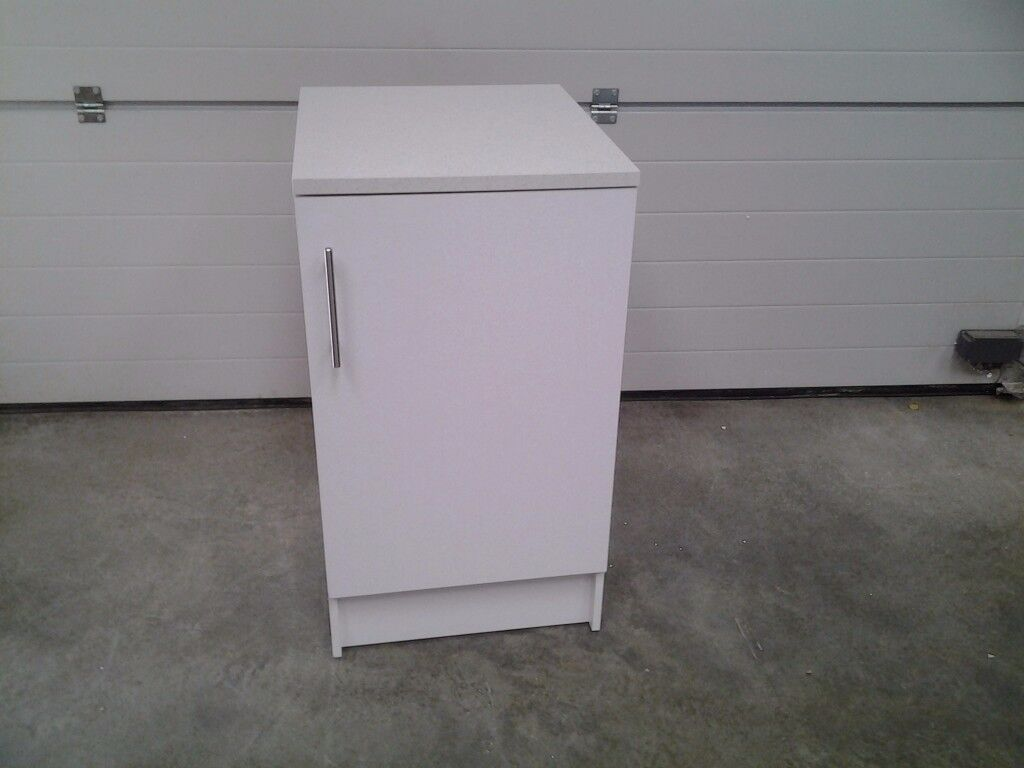 Ex display White base unit / kitchen cupboard. Less 1/2 shop price SOLD WHOLE, can deliver.