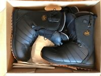 SALOMON MEN'S LAUNCH SNOWBOARD BOOTS SIZE 9.5UK - BRAND NEW WORTH £125!