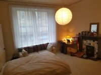 DOUBLE ROOM available for June-August on Morningside road, 495£ per month in 5 bedroom flat