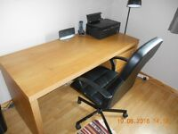 Large computer desk with removable drawer unit and swivel chair in excellent condition