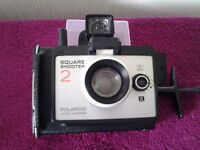 POLAROID INSTANT LAND CAMERA SQUARE SHOOTER 2