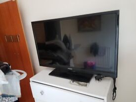32 inch Lcd tv excellent condition