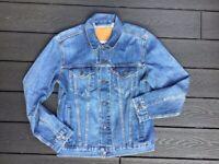 Men's ORIGINAL LEVIS SUSTAINABLE Denim Jacket. Size MEDIUM. Never been worn. Worth £100.