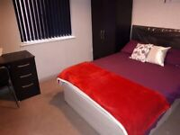 **9*4 HOUSE SHARE * 3 ROOMS AVAILABLE * PERSHORE RD * ALL BILLS INC * IDEAL FOR SINGLE