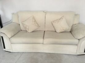 Settee for sale - good condition.