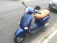 Vespa 125cc Piaggio scooter moped ET4