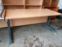 Straight modern office desk (160cm)