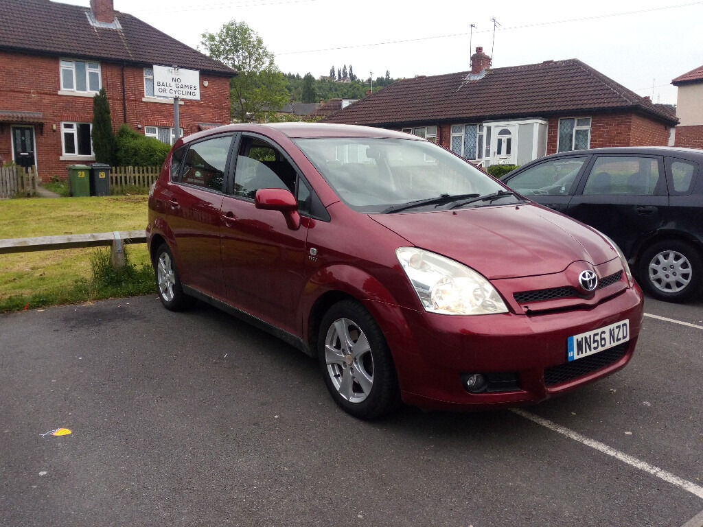 2006 toyota corolla verso t2 1 6l red 7 seater in dewsbury west yorkshire gumtree. Black Bedroom Furniture Sets. Home Design Ideas