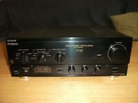 SONY TA-V7700 STEREO AMPLIFIER with PHONO STAGE AMP.