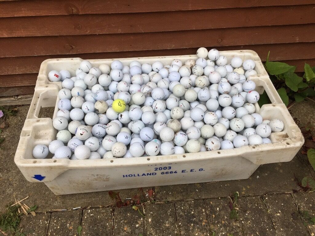 Job lot of 850 golf balls