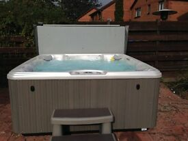 HotSpot Relay Spa; Six seater with lounger; Grey; Excellent condition and full working order.