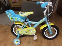 Kids bike with stabiliserd