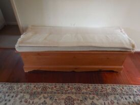 Pine blanket trunk