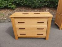 Gillies solid oak chest of drawers * free furniture delivery *