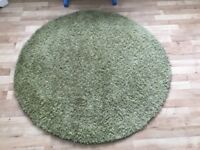 Green Circular rug size 120 x 120 and 4 cushions
