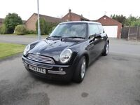 2004 Mini Cooper auto chili pack 1 owner from new FSH metalic black leather seats & climate control