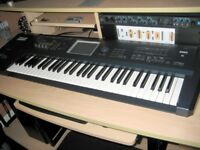 Korg Triton Extreme 61 Key Workstation/Sampler/Synthesizer/Drum Machine with fitted Moss board.