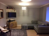 August EdinburghFestival Let: Central, modern apartment with parking & pool access (one bedroom)