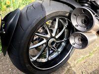 Ducati Diavel white Carbon ABS