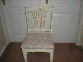 Pine extending shabby chic table and 4 chairs