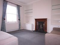 Spacious 2 Double Bedroom Flat In Raynes Park, Short Walk To The Station and Off Street Parking !!!!