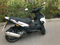 GILERA RUNNER 2011 ST125 REGISTERED AS A 50CC NEW SHAPE FAST & RELIABLE MOPED £1000 CASH NO LOWER!!!