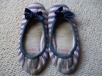JACK WILLS SLIPPERS LADIES (Cosy but worn used) Cash Only in person, London SE16 7DX