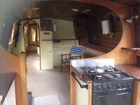 Beautiful One Bedroom Houseboat to Rent in Brentford