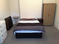Double room near Southbourne and Pokesdown Station - All Bills Included