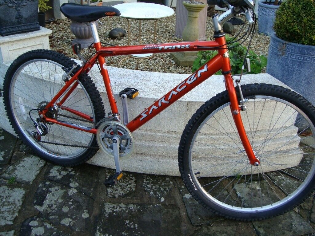 SARACEN RUFF TRAX SPORTS 18INCH FRAME 26INCH WHEELS IN EXCELLENT CONDITION ONLY £65