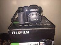 FUJIFILM FinePix S5700 Camera & memory cards!!