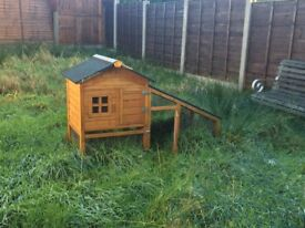 Barely used hutch