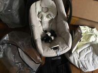 Maxi Cosi Pebble Car Seat + footm