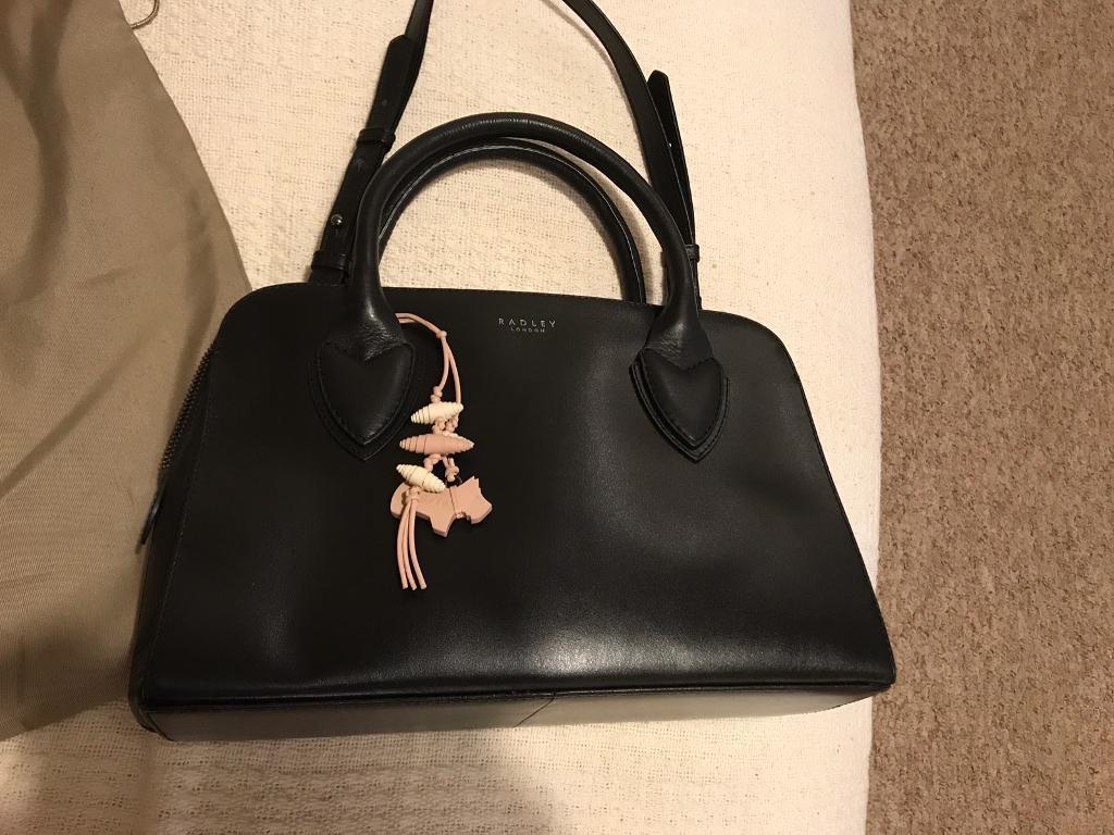 Immaculate Radley Handbag - Black   in Bury St Edmunds, Suffolk ... e9ce96380f